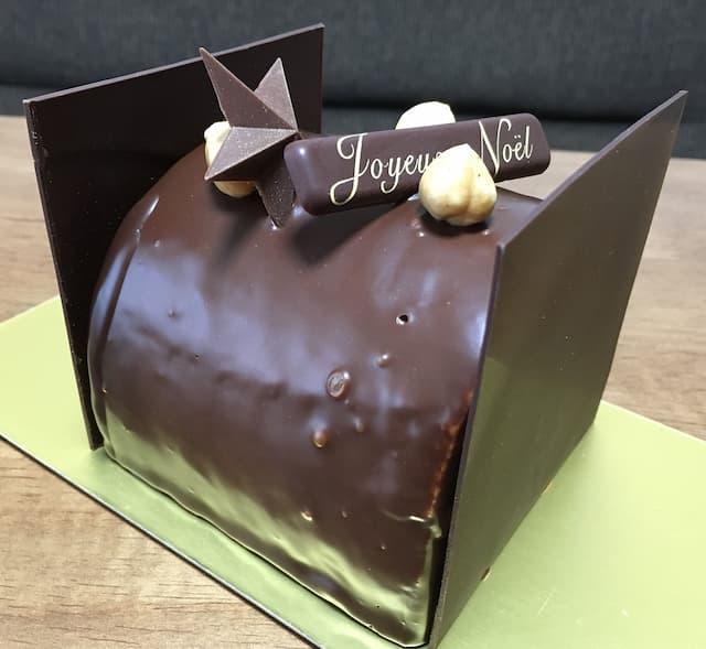 パティスリールテニエのクリスマスケーキ「ルレ ノワゼット」