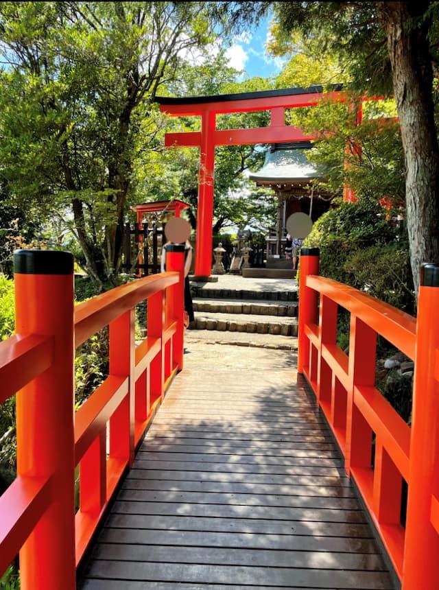 伊豆の国パノラマパークの葛城神社